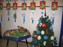 Decorazioni Di Natale Scuola Materna : Lavoretto di natale alberello green