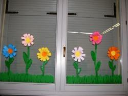 Fiori di primavera scuola dell 39 infanzia adele - Decorazioni primaverili per finestre ...